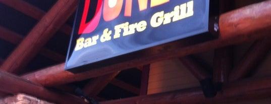 Smokey Bones Bar & Fire Grill is one of Lieux qui ont plu à Jeff.