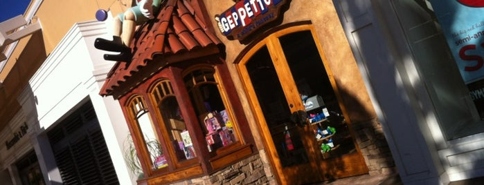 Geppetto's is one of Volox 님이 좋아한 장소.