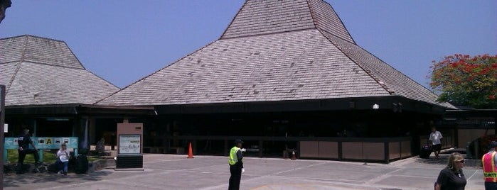 Kona International Airport (KOA) is one of My top places & people.