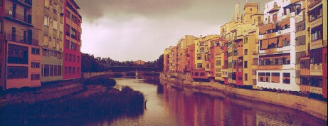 Girona is one of Capitales de provincia.