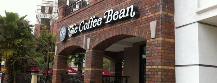 The Coffee Bean & Tea Leaf is one of Lieux qui ont plu à Chez.