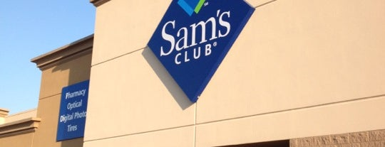 Sam's Club is one of Lieux qui ont plu à Andrii.