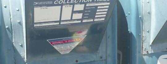 US Post Office is one of Daron'un Beğendiği Mekanlar.