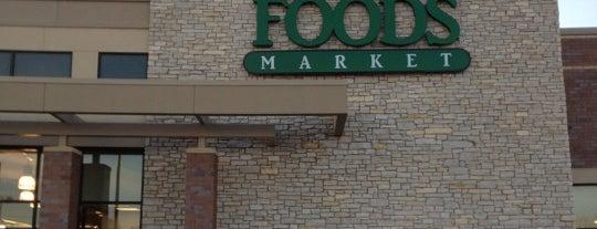 Whole Foods Market is one of Lieux qui ont plu à Kristen.