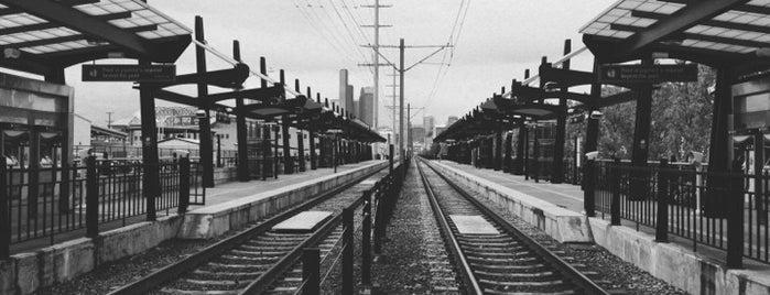 LINK Light Rail (Central Link) is one of Tempat yang Disukai Scott.