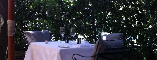 Terraza Del Restaurante del Hotel Villamagnalamagna is one of Oscarさんの保存済みスポット.