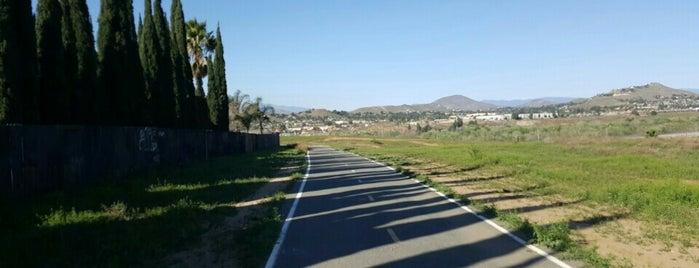 Santa Ana River Trail is one of Lauren'in Kaydettiği Mekanlar.