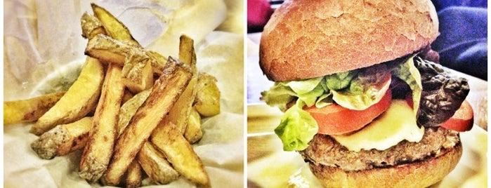 Peter's Burger Pub is one of Nejlepší BURGERY v Praze a okolí.
