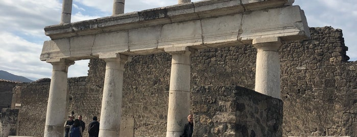Pompei is one of People, Places, and Things.