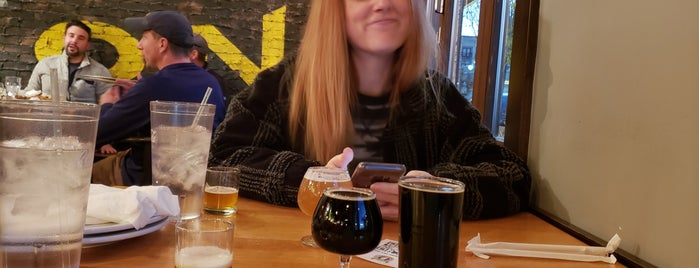 Pies & Pints - Dayton, OH (The Greene Town Center) is one of Erica 님이 저장한 장소.