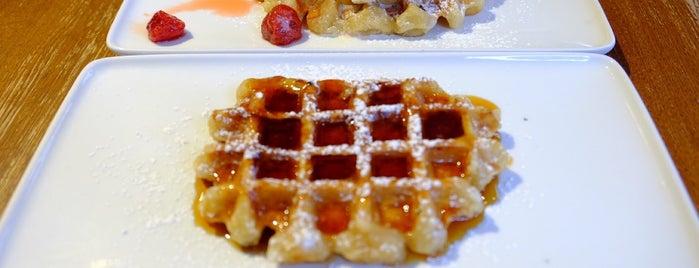 Maison Dandoy - Tearoom & Waffle is one of Europe 2015.