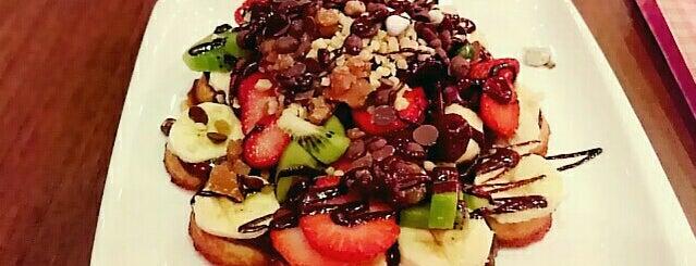 Granny's Wafflés is one of Posti che sono piaciuti a Ferhat.