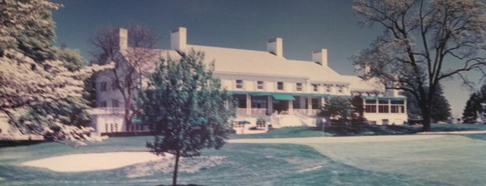Greenwich Country Club is one of Lieux qui ont plu à Bridget.