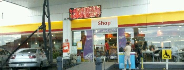 Shell is one of Lugares favoritos de Karina.