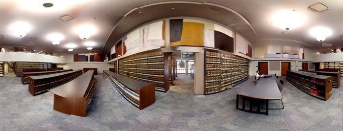 Biblioteca Escuela De Derecho is one of D: сохраненные места.