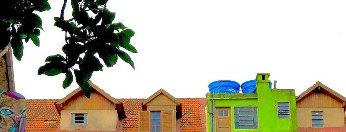 Associação Cultural Vila Flores is one of สถานที่ที่ Daniele ถูกใจ.
