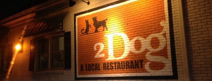 2 Dog Restaurant is one of Orte, die Scott gefallen.
