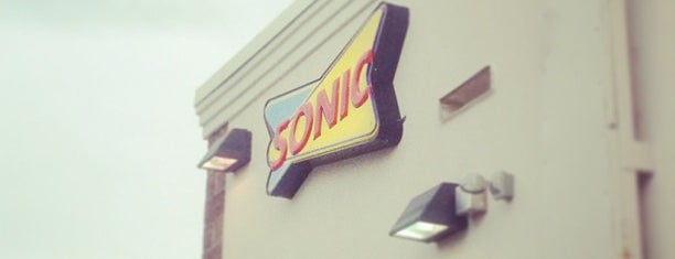 SONIC Drive In is one of Lieux qui ont plu à Liam.