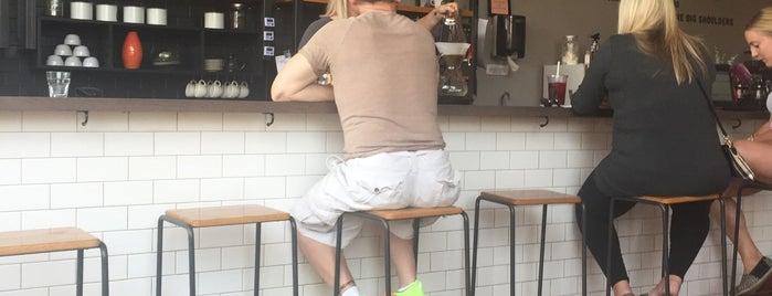 Big Shoulders Coffee is one of Posti che sono piaciuti a Ayin.