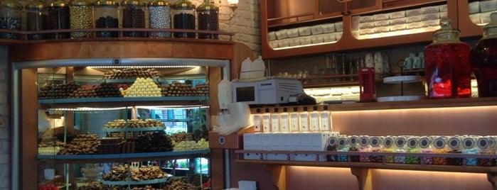 Moda Çikolatacisi is one of İstanbul'daki Salaş Mekanlar.