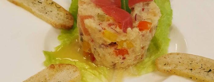 La Balance Cuisine is one of Tempat yang Disukai Ms. Damaris.