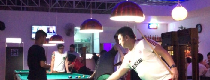A Villa Bar & Snooker is one of bares.