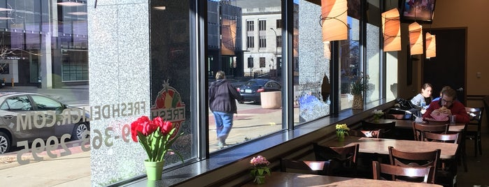Fresh Deli & Grill is one of Cedar Rapids.