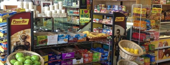Gramercy Food Market is one of Locais curtidos por Jillian W.