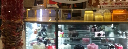 Seçkin Pasta & Cafe is one of Tempat yang Disukai Tuba.