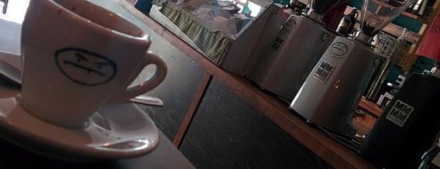 Méchant Café Espresso Bar is one of Fermés.