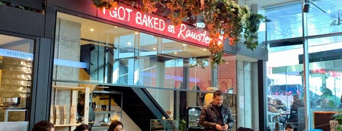 Rawsters Coffee & Supply Co. is one of Lugares favoritos de Elif.