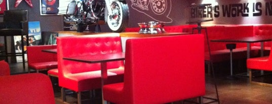99% Moto Bar is one of Barcelona Burgers by @joando.
