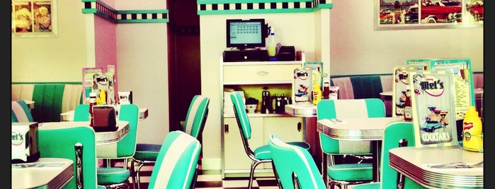 Tommy Mel's is one of MADRID ★ Hamburguesas ★.