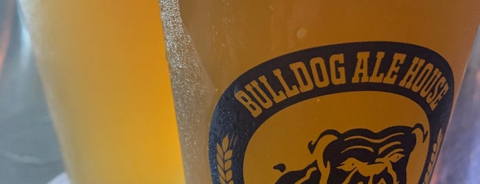 Bulldog Ale House is one of Lieux sauvegardés par Jeff.