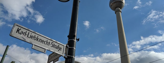 Mitte is one of Orte, die zityboy gefallen.
