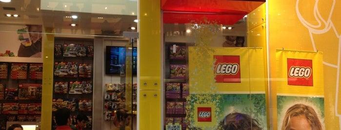 LEGO Store is one of #SantiagoTrip.