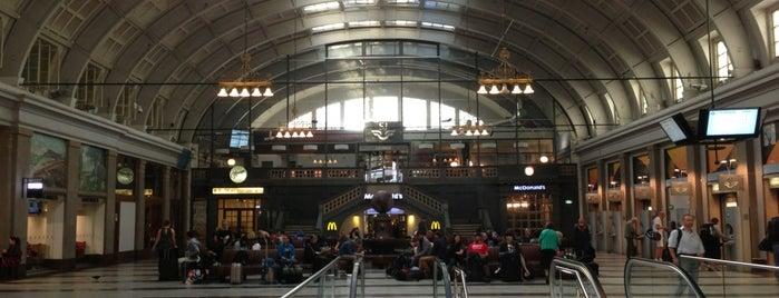 Stockholms Centralstation is one of Stockholm.