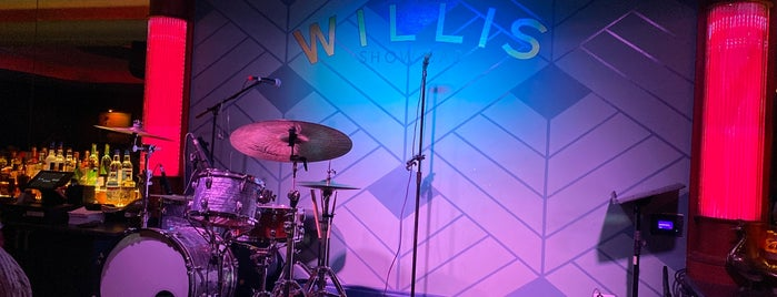 Willis Show Bar is one of Cocktails In The D.