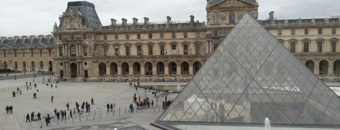 Museo del Louvre is one of Eurotrip.