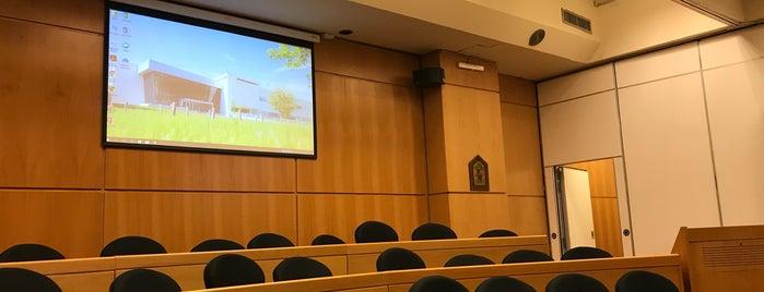EPC Universidad Austral is one of Lieux qui ont plu à Silvina.