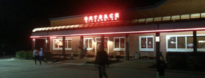 Outback Steakhouse is one of Mike 님이 좋아한 장소.
