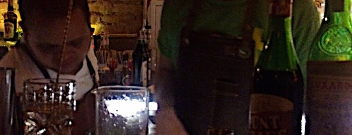 Guilhotina Bar is one of Henri's TOP Bars!.