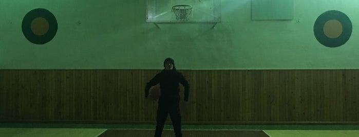 28 школа is one of Школи Чернівців / Chernivtsi Schools.