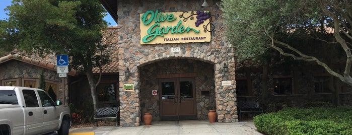 Olive Garden is one of Lugares favoritos de Morten.