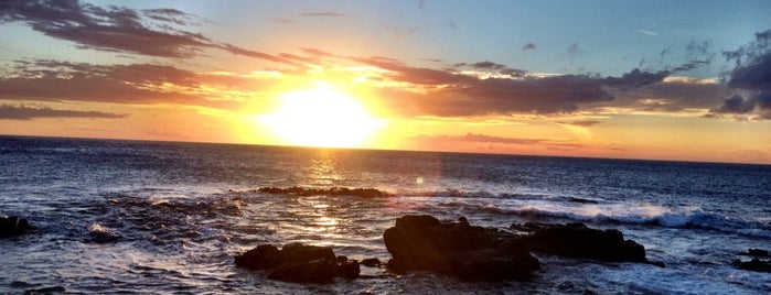 Sunset At The Harbor is one of Posti che sono piaciuti a Alika.