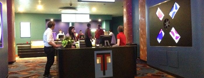 Teaneck Cinemas is one of Denise D.'ın Kaydettiği Mekanlar.