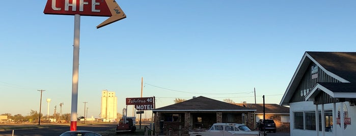 Midpoint Cafe & Gift Shop is one of Route 66.