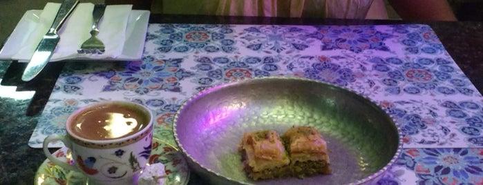Lokum Mediterranean Bar And Grill is one of Locais curtidos por Eda.