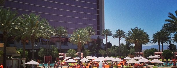 Red Rock Casino Resort & Spa Pool is one of Steve's Liked Places.