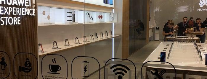 Huawei Experience Store is one of Orte, die Serbay gefallen.